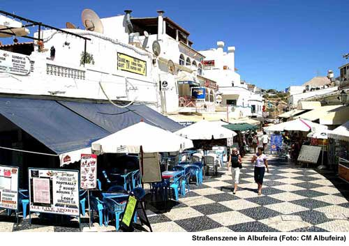 Albufeira, Ferienort an der Algarve, Strassenszene