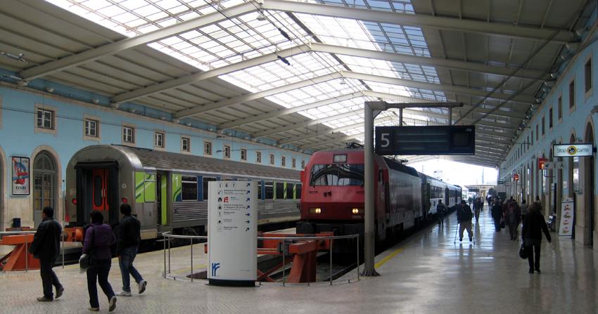 Bahnhof Apolónia Lissabon
