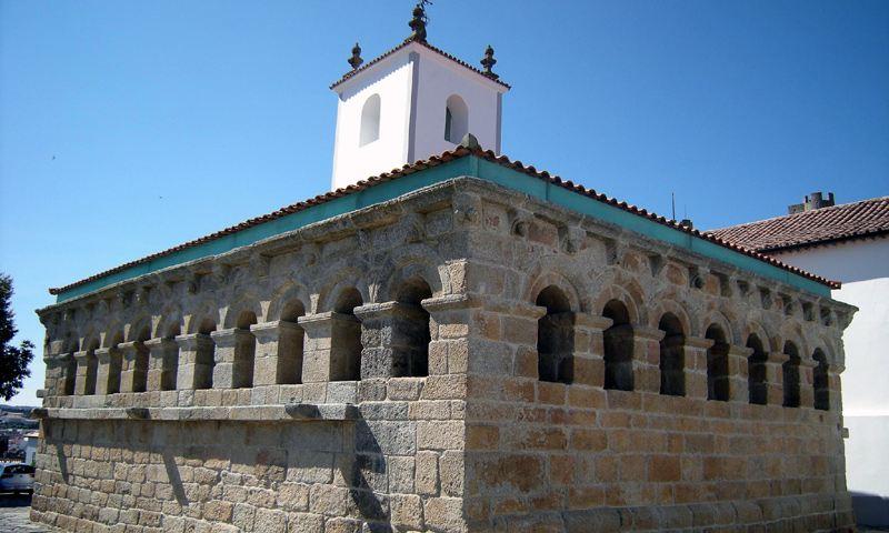 Domus Municipalis Sehenswürdigkeit Braganca