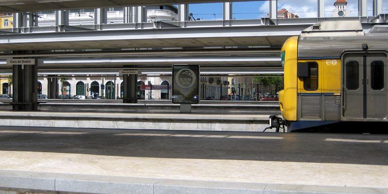 Cais do Sodre Bahnhof Lissabon Zug Eisenbahn Bahnhof Cais do Sodré
