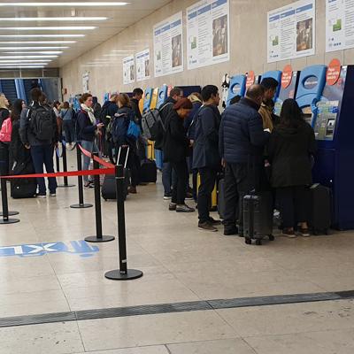 Flughafen Lissabon Metro U-Bahn Transfer Innenstadt