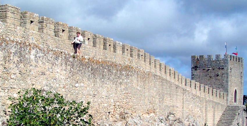 Óbidos Sightseeing Tour Sehenswürdigkeit Stadtmauer Spaziergang