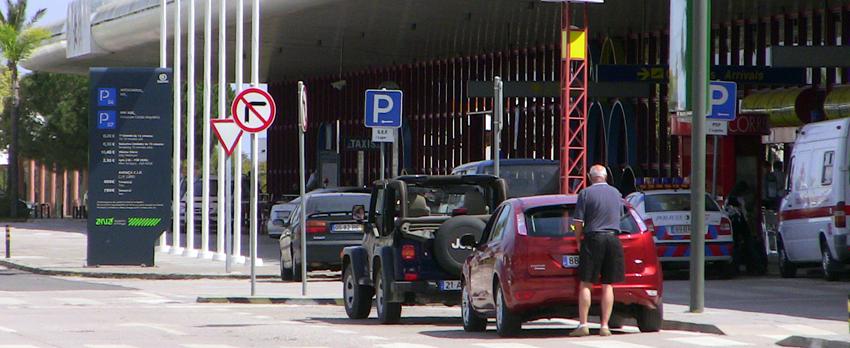 Flughafen Faro Parkhaus Parkplatz Gebühren Kosten